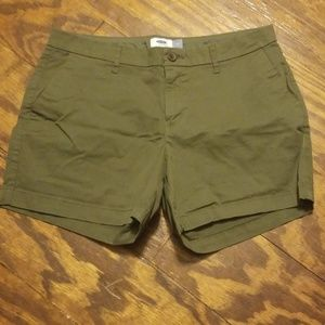 Old Navy khaki shorts: Olive/Army green, sz 10